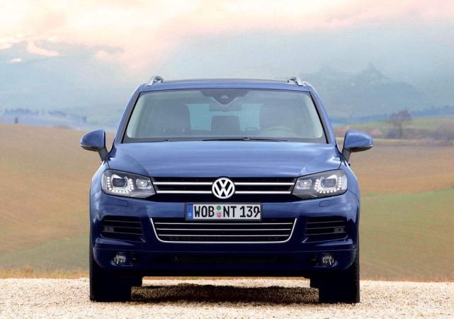 这车和宾利添越同个妈,驾驶质感远超Q7,仅40多万起售