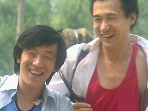 从酒吧歌手到华语影帝,黄渤不止靠演技,小人物也有大智慧