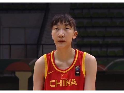中新网点名表扬女篮1人,女版周琦获盛赞,大魔王已难当她模板
