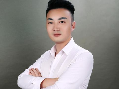 朵拉试衣间超级店长 杨斌:以挫折为马 以梦想为旗