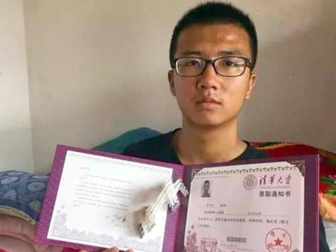 宁夏农村学生高考676分进清华大学,为筹集学费,每天搬钢管600根