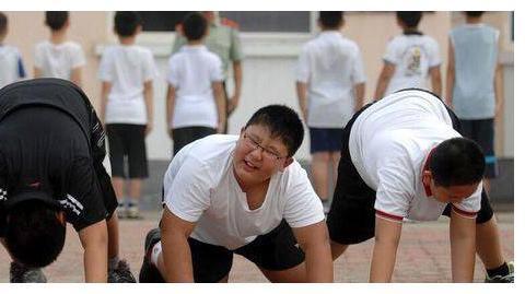 400斤肥童减重成功,中国儿童肥胖率世界第一,你的孩子达标吗?