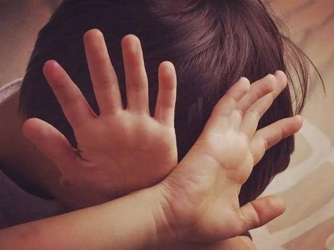"""孩子被打后,家长与其教他打回去,不如试试""""ICPS""""教育方法"""