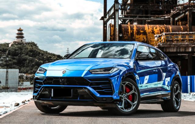 最速SUV!3.6秒破百,能越野能上赛道,给你三百万会选它吗