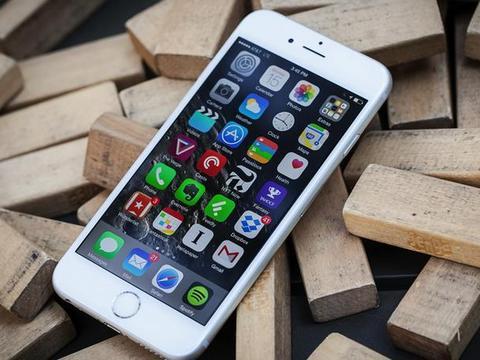 """一波未平一波又起!iPhone 6S/6S Plus陷入""""大面积停电"""""""