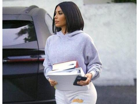金·卡戴珊穿运动装去学习法律,只为帮侃爷圆了2024总统梦