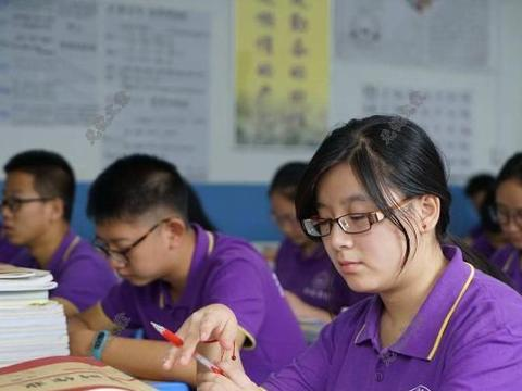 针对高考复读生,河南省终于出手了,被录取不读后果很严重!