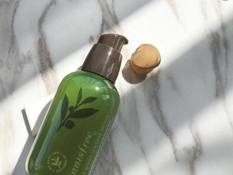 韩国热门精华测评:AHC平价保湿,雪花秀修复祛黄,小绿瓶油腻!