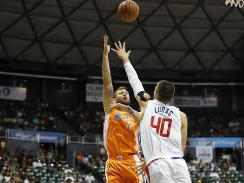 另类三双!莫泰尤纳斯砍下29分13篮板10失误