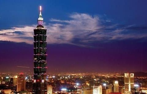 为何台北101大楼里挂个600多吨重的钢球?主要有两个原因