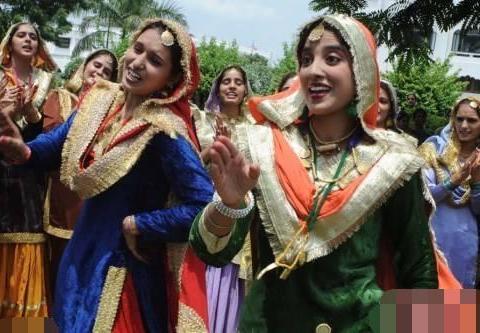 印度少女来中国留学直言喜欢中国!却唯独这一点不太方便?
