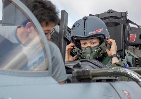 澳空军老旧战斗机现身第一岛链,联合训练展示实力,发出强烈信号