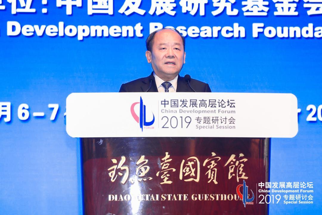 宁吉喆:中国经济总体平稳 经得起惊涛骇浪