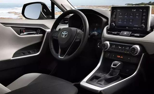 全新丰田RAV4即将上市,越级实力值得等待!