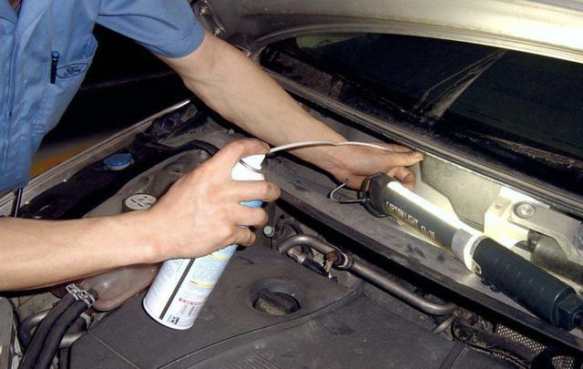 汽车空调有异味怎么处理?跟我学,这样做就能解决