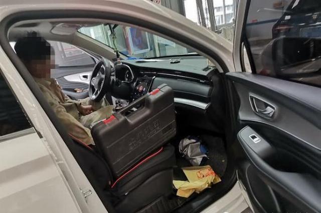 荣威推出重磅新车,引来了很多人的关注,叫做RX5 MAX