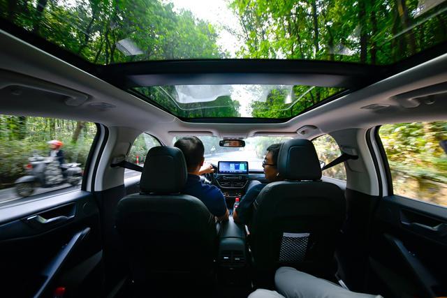 试驾|1.5T+8AT强动力,5种驾驶模式可选,体验全新福克斯Active