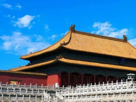 """耗资8亿移平13座山,就为了建造""""假故宫"""",门票却高出3倍!"""