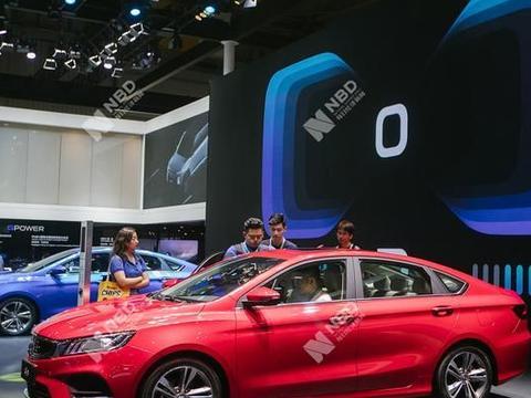 李书福两会议案呼吁:将汽车改装列入国民经济行业分类