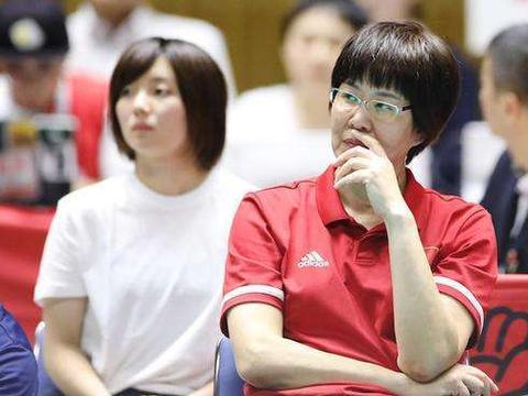 亚特兰大奥运会上,郎平为什么会几次晕倒在赛场?是什么导致的?