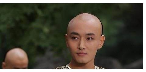 李东学那么帅,为何不能大红大紫?