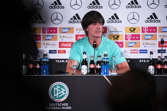 勒夫:对比赛结果很满意 要给年轻球员更多宽容