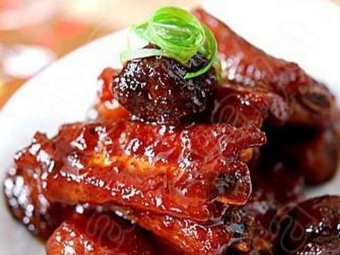 美食推荐:洋葱五花肉,香辣炒片,话梅烧排骨,清蒸白萝卜