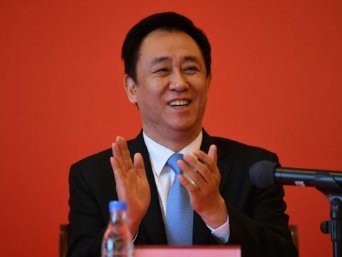 广州恒大俱乐部老总许家印以2100亿元排名今年富豪榜第3名