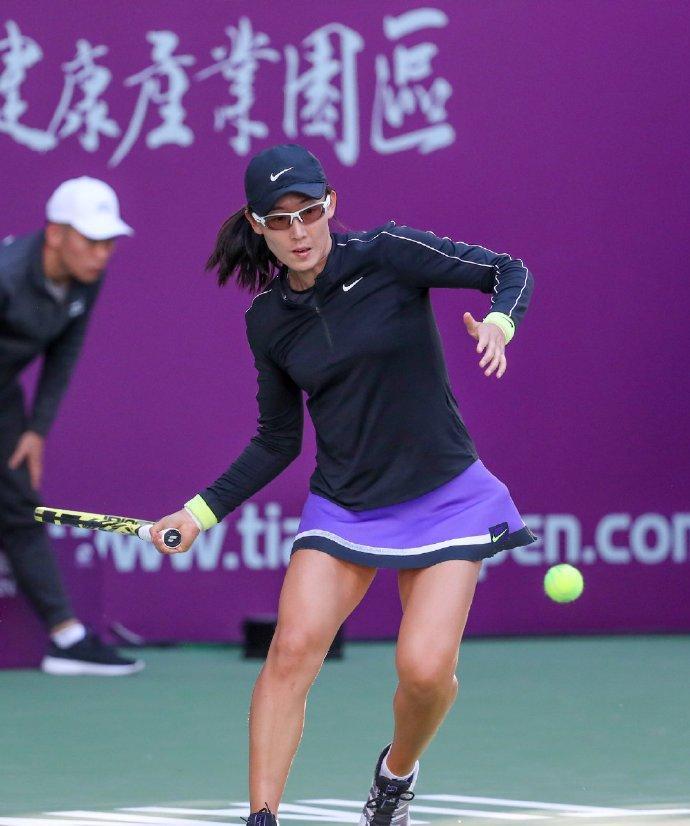 WTA天津公开赛:郑赛赛连丢5局因伤退赛,保送对手晋级女单八强!