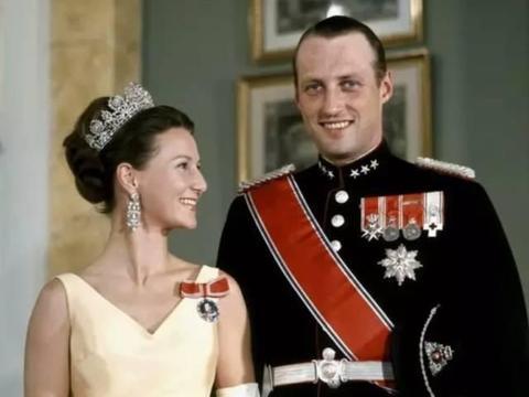从裁缝到北欧皇后,王后访华,为何点名要见歌唱家廖昌永?