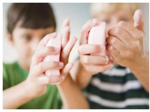 """""""别去撕手上的倒刺,会流血"""",孩子长""""倒刺"""",无非是3大原因"""