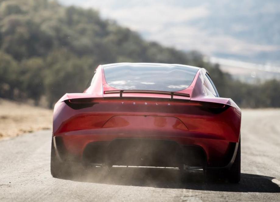 配三电机零百加速不到2秒,特斯拉全新Roadster预计年产不超万台
