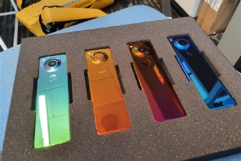 Essential新款手机曝光,设计很非主流!