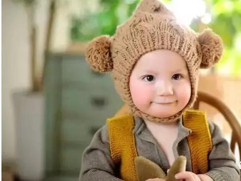 你妈妈觉得你冷?秋季宝宝如何穿衣呢?
