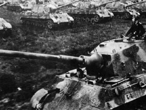 虎王坦克有多烂?开30公里土路坏了4次,炮弹命中钢板开裂碎了