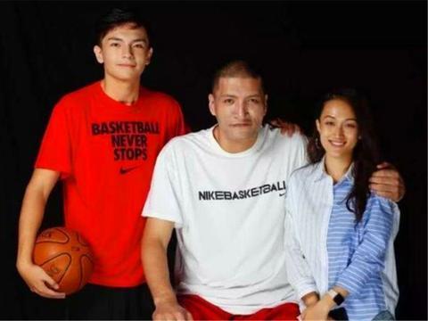 巴特尔之子巴恩泽颜值超高,身高1米98,能否为中国男篮效力?