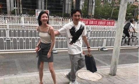"""还记得王思聪前网红女友豆得儿吗?离开王思聪变""""乳胶娃娃"""""""