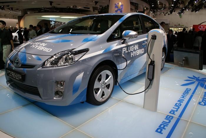 丰田宣布将2020款混动车电池质保期延长至10年/15万英里