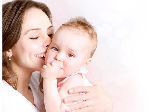 纯母乳喂养,如何判断奶水够不够宝宝吃