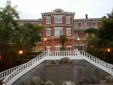 """香港最有名望的大学,已有108年历史,被誉为亚洲""""常春藤"""""""