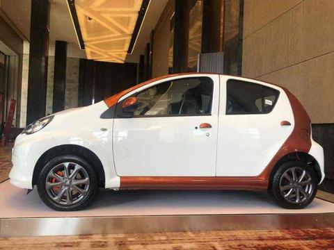 这款智能汽车价格亲民,操控简单停车方便,续航可达305公里