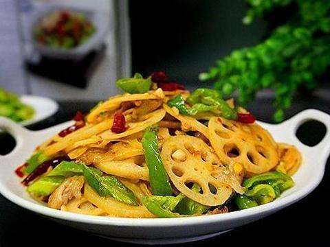 美食:洋葱五花肉,话梅烧排骨,清蒸白萝卜
