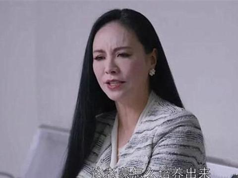 52岁田丽新剧被吐槽魔鬼妆容,可是你知道她也曾是实力美女吗?