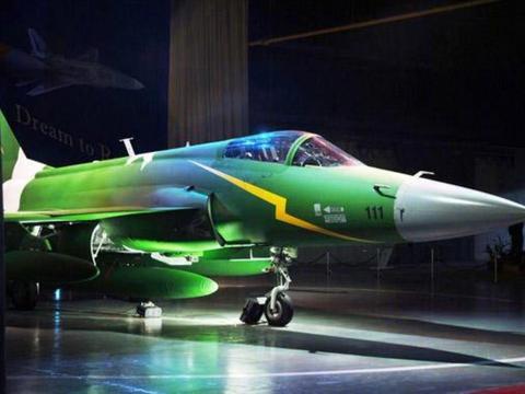 巴基斯坦空军杀手锏:枭龙战机的反辐射导弹,无情碾压印度雷达