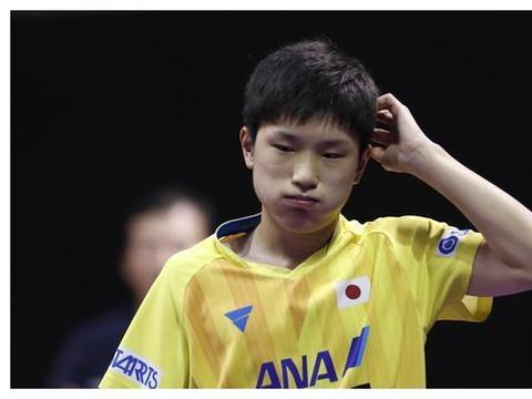 张本智和2-4出局,国际乒联重点关照的日本军团仅剩伊藤美诚