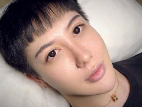 """""""蛇精男""""刘梓晨消失两年再出现,成油腻大叔,这是发福了吗?"""