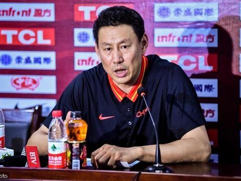 郭昊文,持球巨星型打法,中国男篮需要这样的球员
