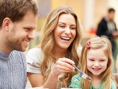 教育孩子遵循3个法则,会让他受益一生,优秀父母一定要做到