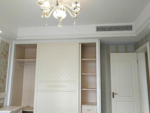 一个星期才打扫完的新家,摆上刚到的家具,春节过后在入住!