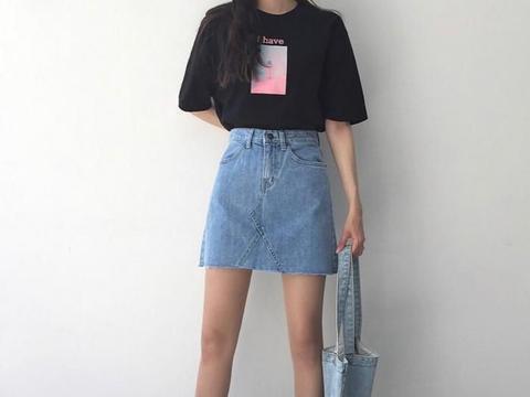 黑色T恤搭配牛仔裤,这样穿的你更好看一些!